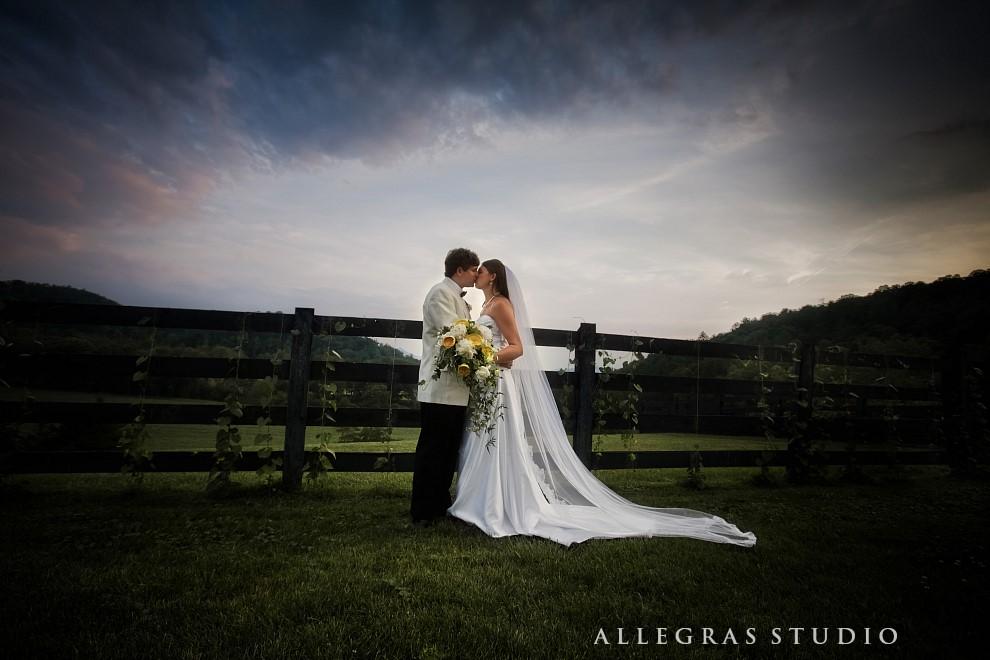 wedding on a horse farm_108