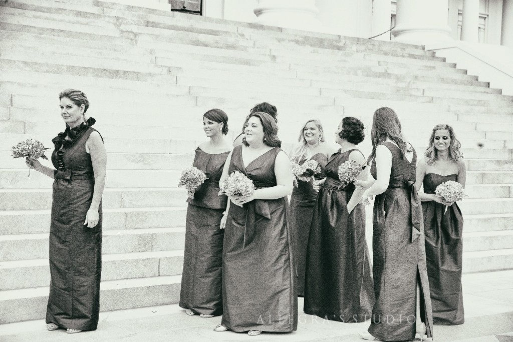 Bridesmaids at the Richmond State Capitol building